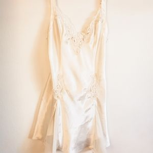 EUC Victoria's Secret Bridal Chemise